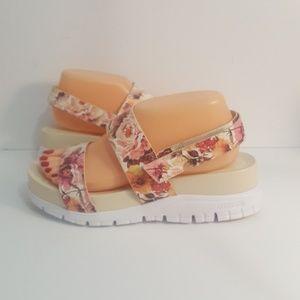 Cole Haan Zerogrand Floral Platform Slide Size 8.5